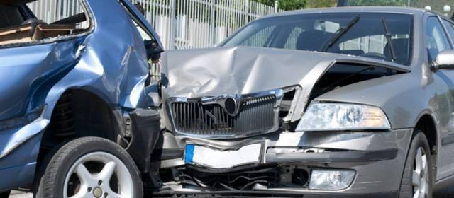 Abogados de Accidentes y Choques de Autos y Carros en Fontana Ca.