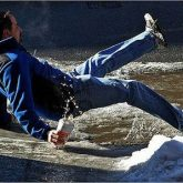 La Mejor Asesoría Legal de los Abogados Expertos en Demandas de Lesiones por Caerse o Resbalarse en Fontana California